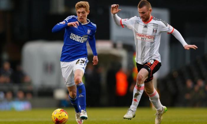 Ipswich Teenager Teddy Bishop为违反FA赌注规则而收取费用
